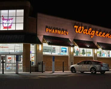 The Story of Kim Thien Le: Fake Walgreen's Pharmacist