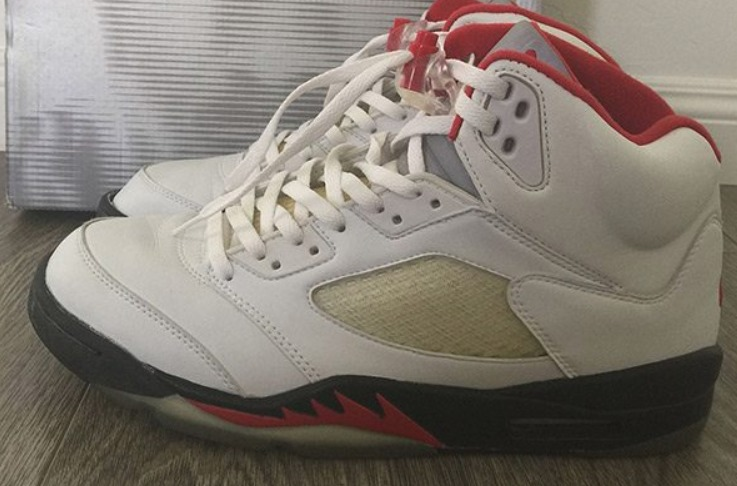 11e47b0c9522 The Air Jordan V SE shoes were designed by Michael Jordan himself in his  agreement and sponsorship of Nike shoes. The design was released in 1990  and was ...