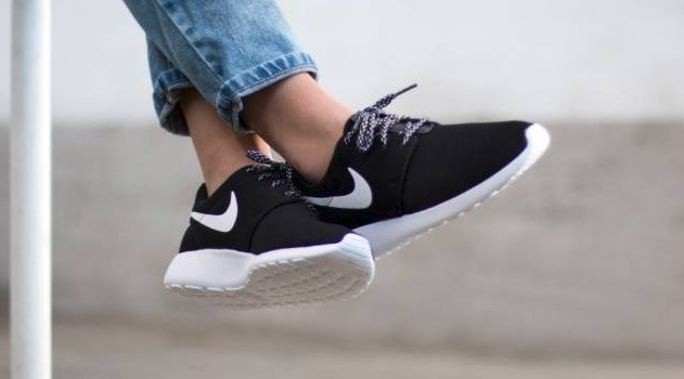 innovative design aa741 aecc2 Nike Roshe One for Women