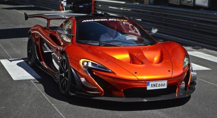 10 things you didn 39 t know about the mclaren p1 gtr. Black Bedroom Furniture Sets. Home Design Ideas