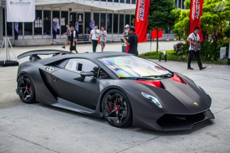 The Short Lived Run Of The Lamborghini Sesto Elemento