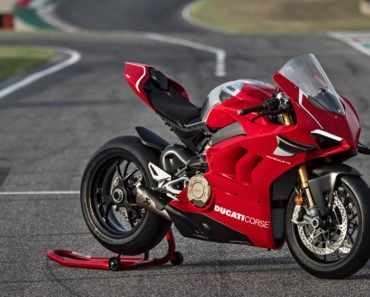 A Closer Look at the 2019 Ducati Panigale V4-R