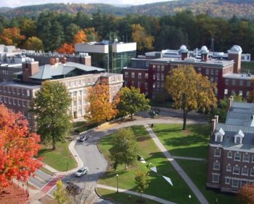 How Much Does it Cost to go to Dartmouth Medical School?