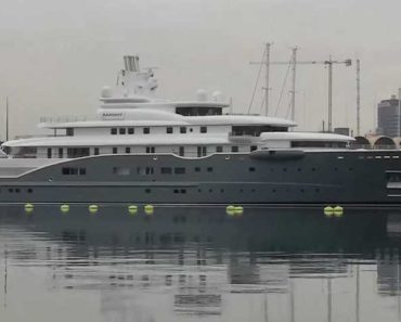 """A Closer Look at the $320 Million Superyacht """"Radiant"""""""