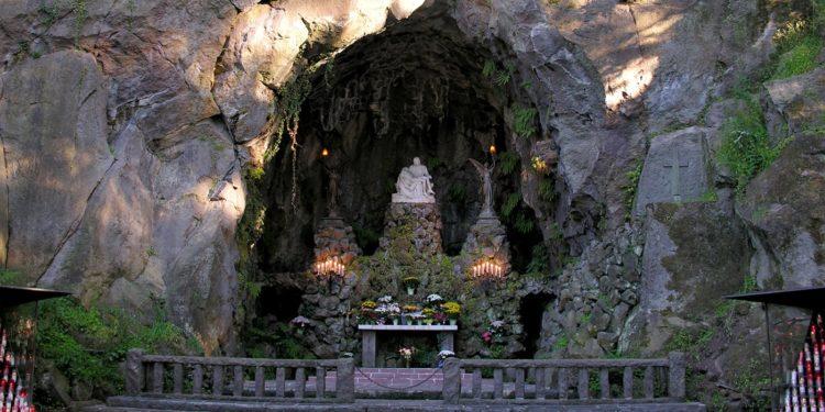 Portland The Grotto