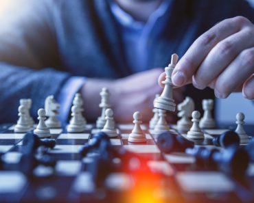 Chess pawn game plan