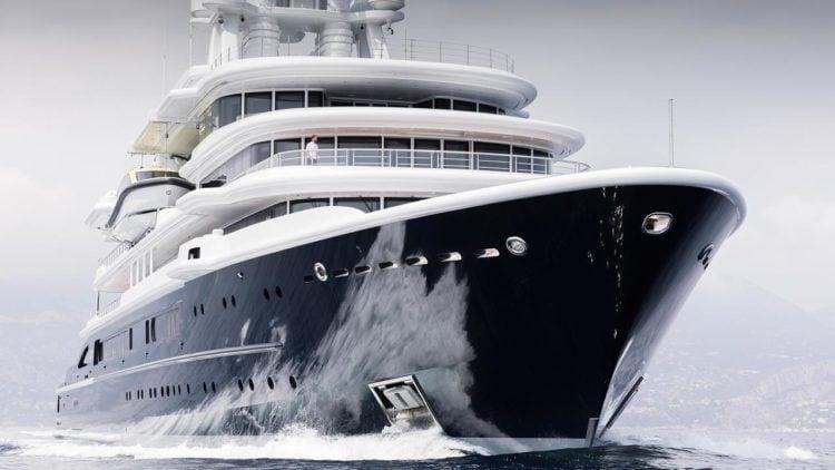 Luna Mega Yacht