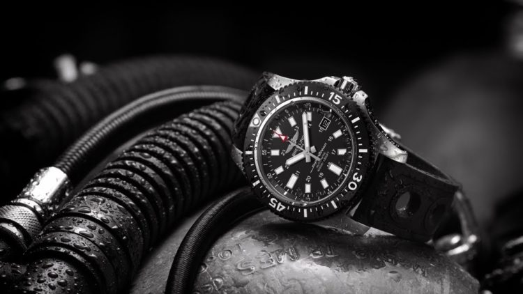 Breitling Superocean 44 Blacksteel M1739313/BE92