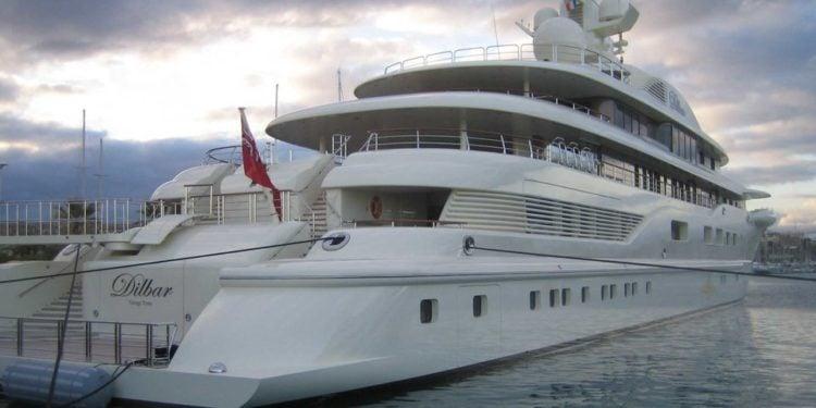 Ona Yacht Rear