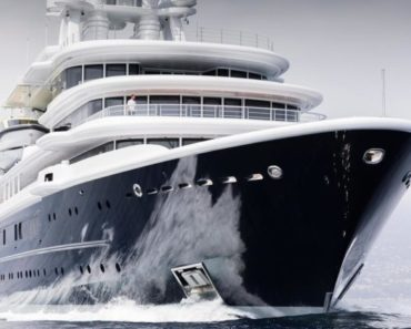 Super Yacht Luna