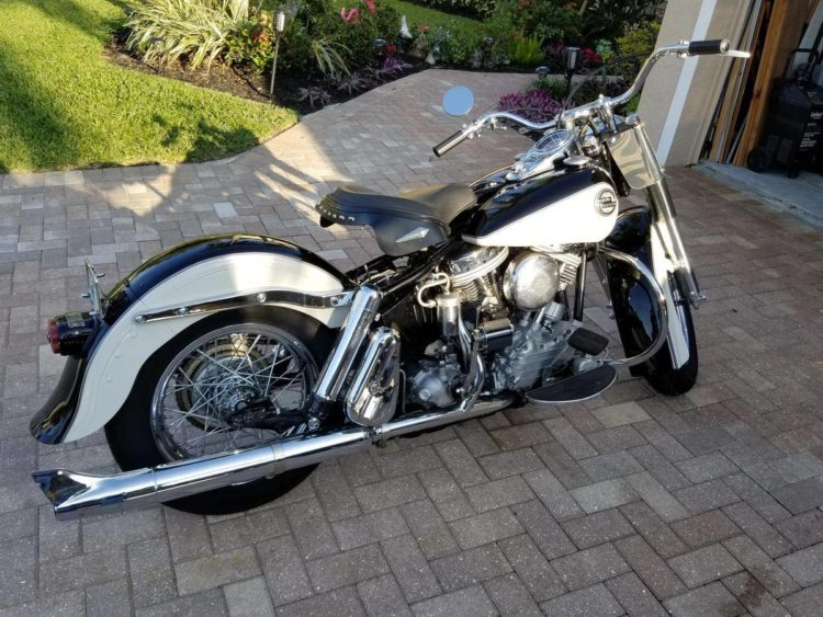 1958 Harley Davidson Duo-Glide