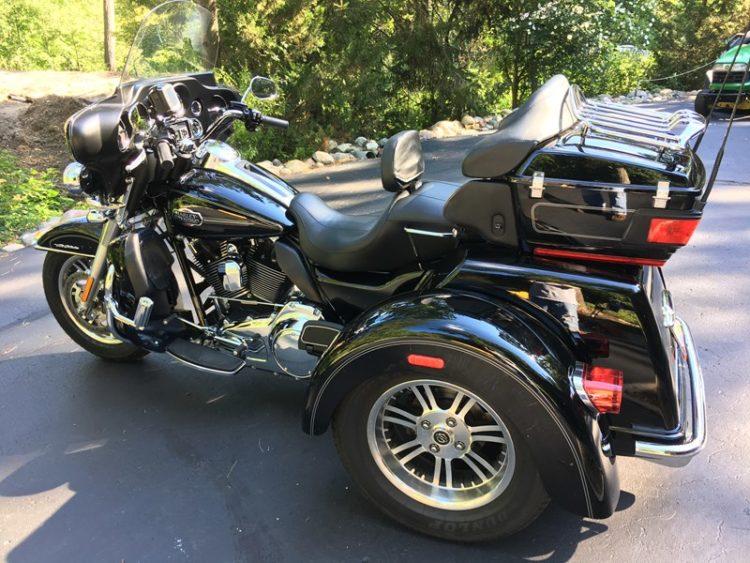 Harley-Davidson FLHTCUTG Tri-Glide