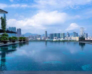 A Happy Review of The Four Seasons Hotel Hong Kong