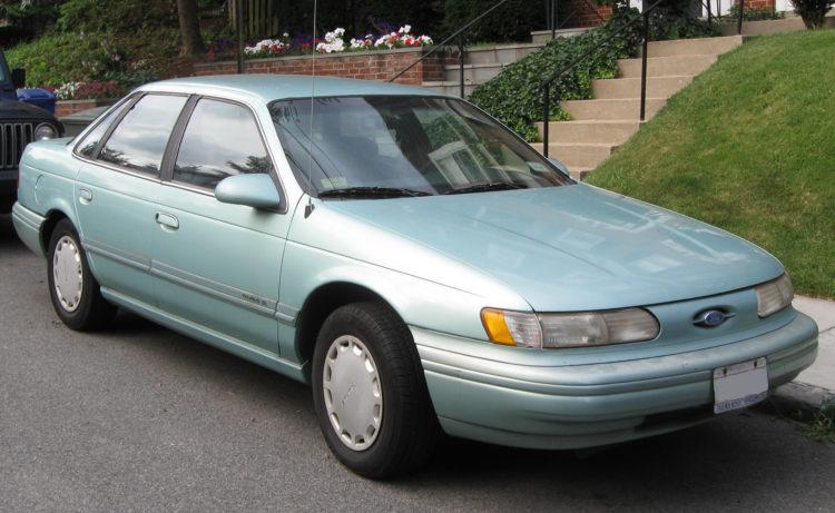 1992 Ford Taurus GL Sedan
