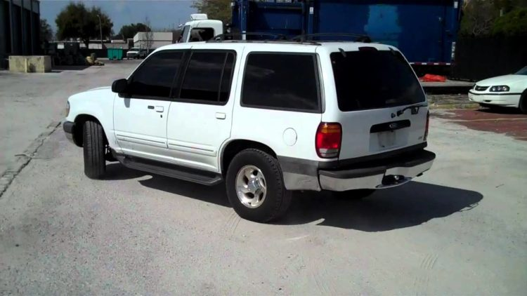 2000 Ford Explorer 2WD