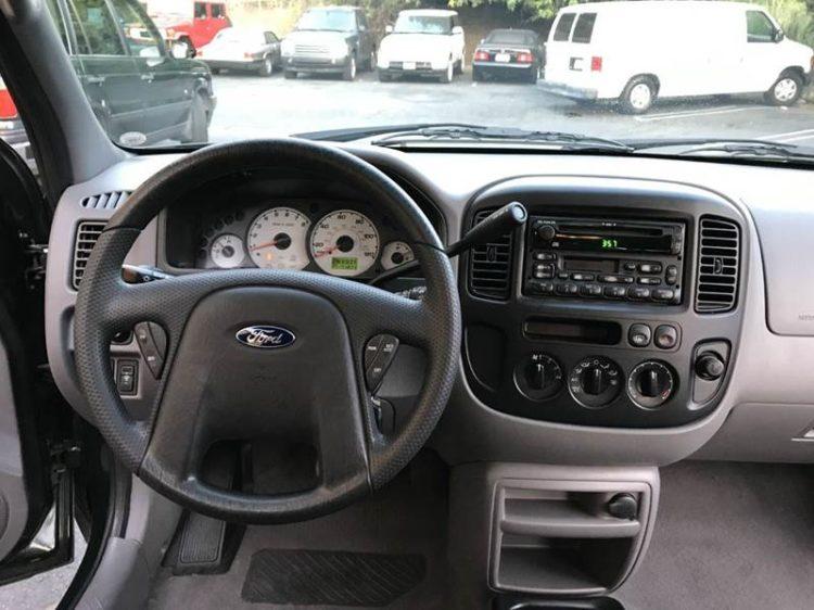 2002 Ford Escape 2WD