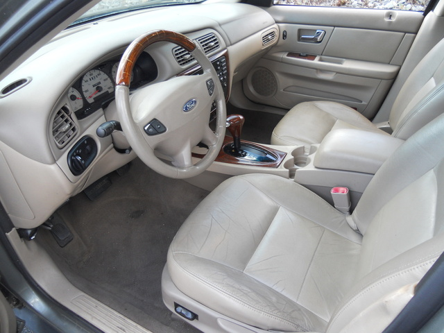 2003 Ford Taurus SEL Deluxe Station Wagon