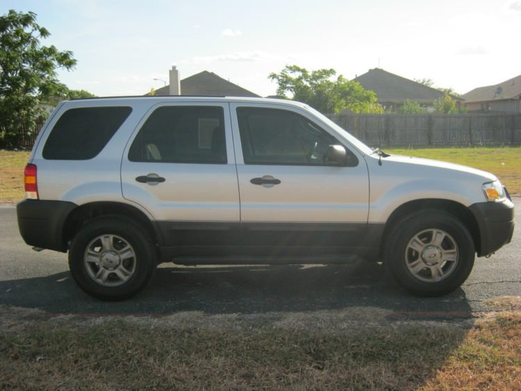 2005 Ford Escape 2WD