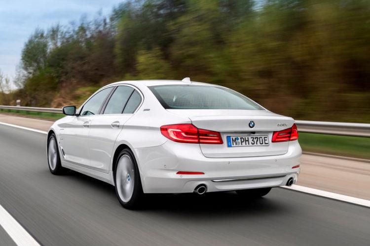 2020 BMW 530e: 350 miles hybrid