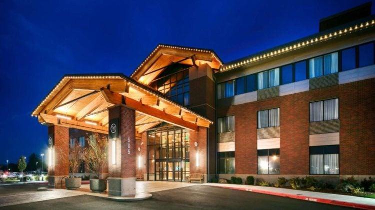 Best Western PremBest Western Premier Boulder Falls Innier Boulder Falls Inn