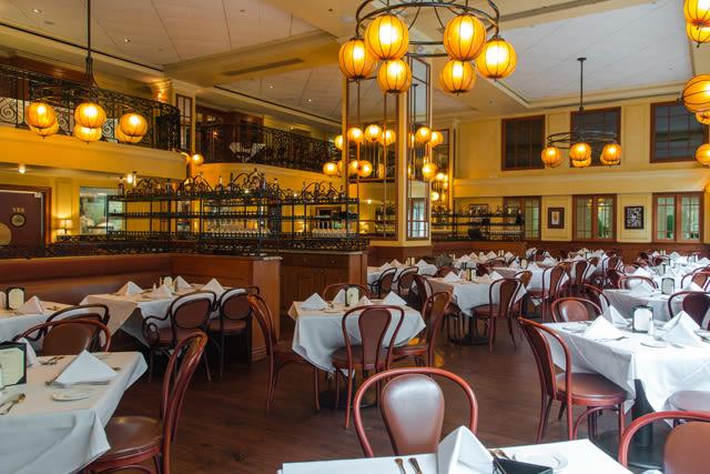 Bourbon House Seafood & Oyster Bar