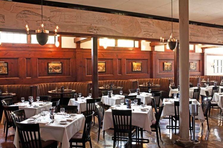 Hank's Seafood Restaurant