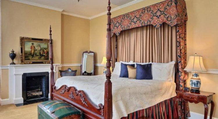 The Presidents' Quarter Inn