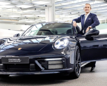 Porsche Exclusive 911 Carerra 4S Belgian Legend Edition exterior