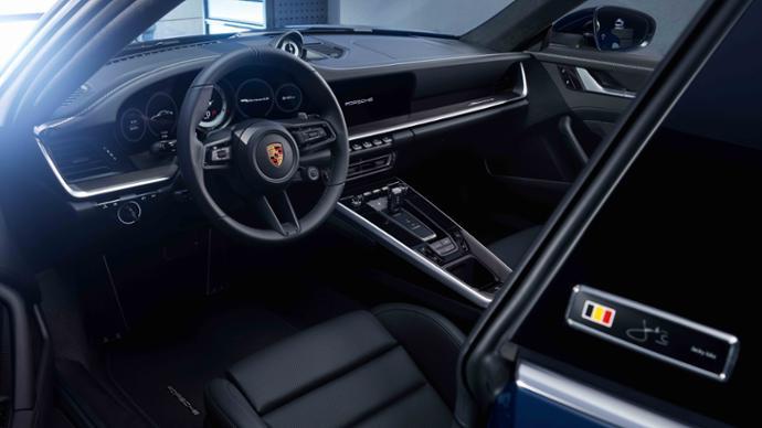 Porsche Exclusive 911 Carerra 4S Belgian Legend Edition interior