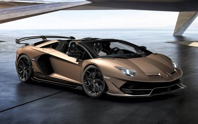 2020 Lamborghini Aventador side