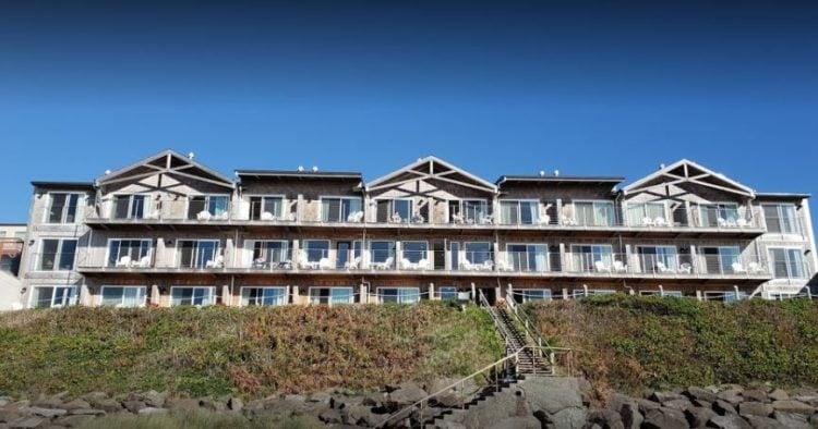 Pelican Shores Inn