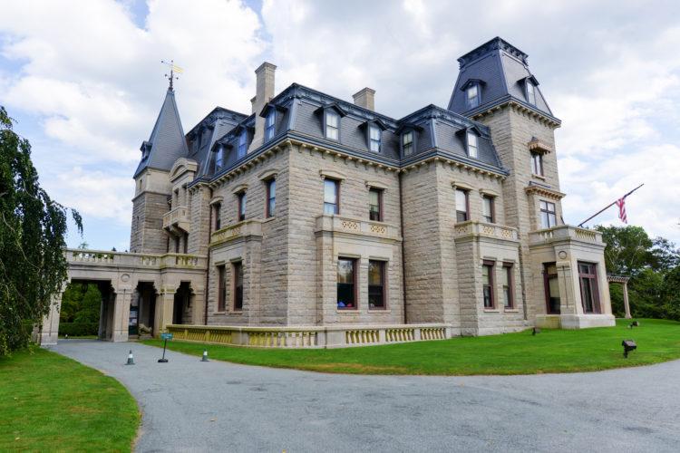 Chateau-sur-Mer