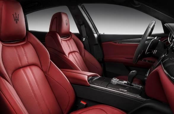 2021 Maserati Quattro interior