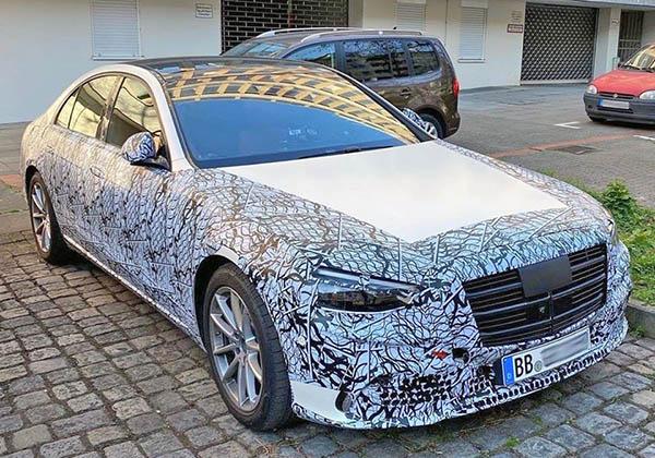 2021 Mercedes S-Class front