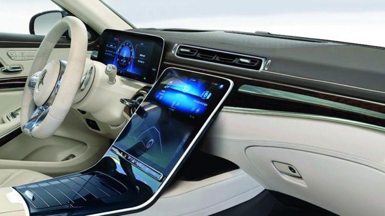 2021 Mercedes S-Class interior 1