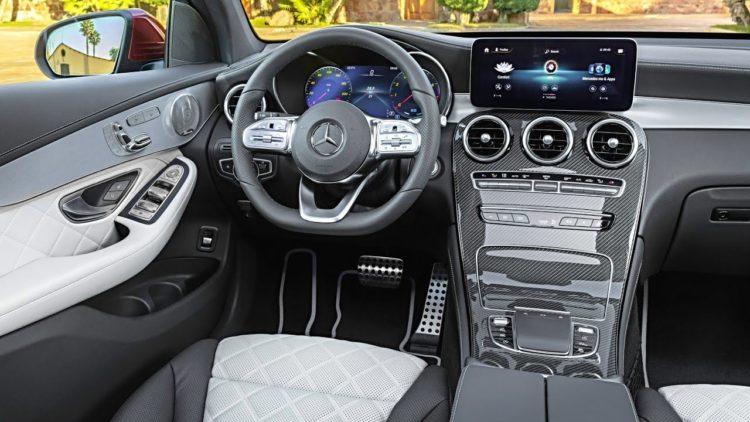 2023 Mercedes-Benz GLC interior 1
