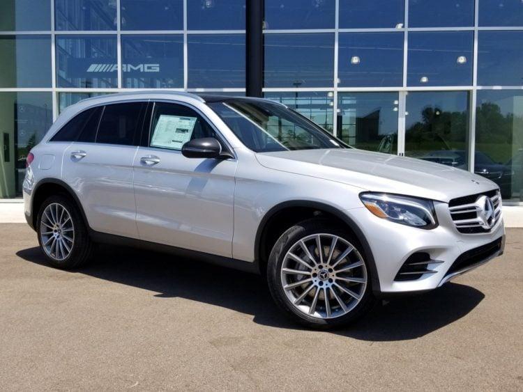 2023 Mercedes-Benz GLC side 1