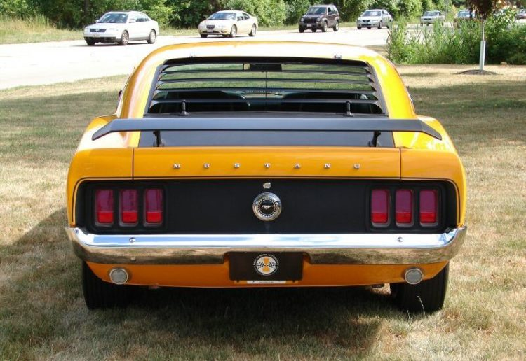 Boss 302 Mustang back