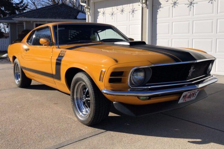 Boss 302 Mustang exterior