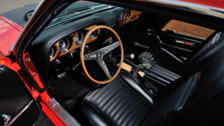 Boss 302 Mustang interior 1