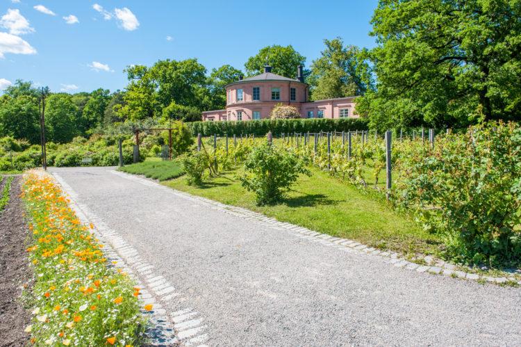 Rosendals Garden (Rosendals Tradgard)