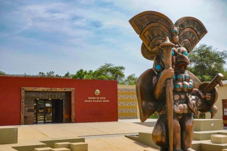 Museo Tumbas