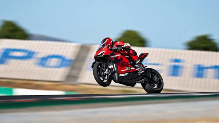 2020 Ducati Superleggera V4 race
