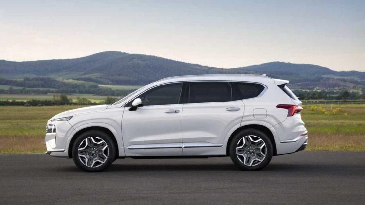 2021 Hyundai Santa Fe side