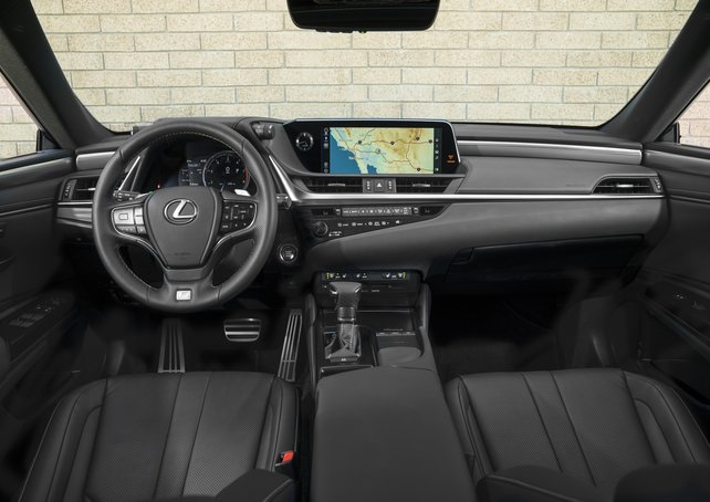 2021 Lexus IS 4