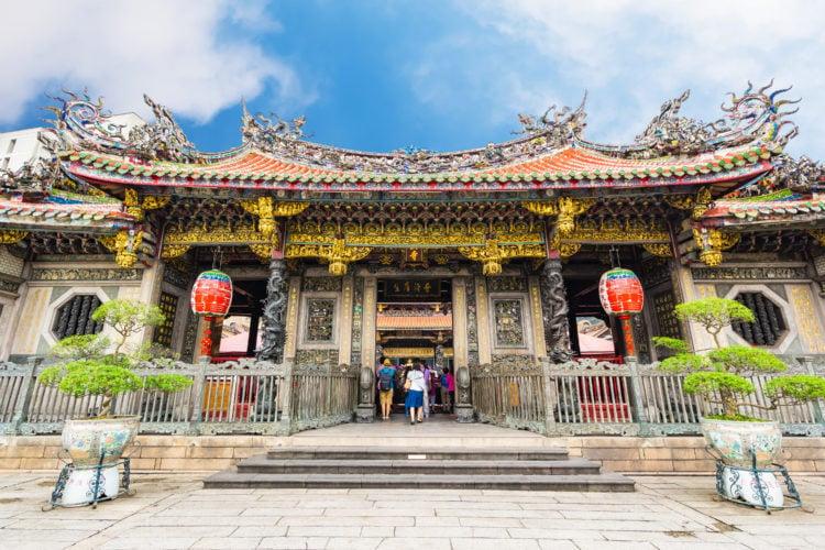 Iconic Longshan Temple