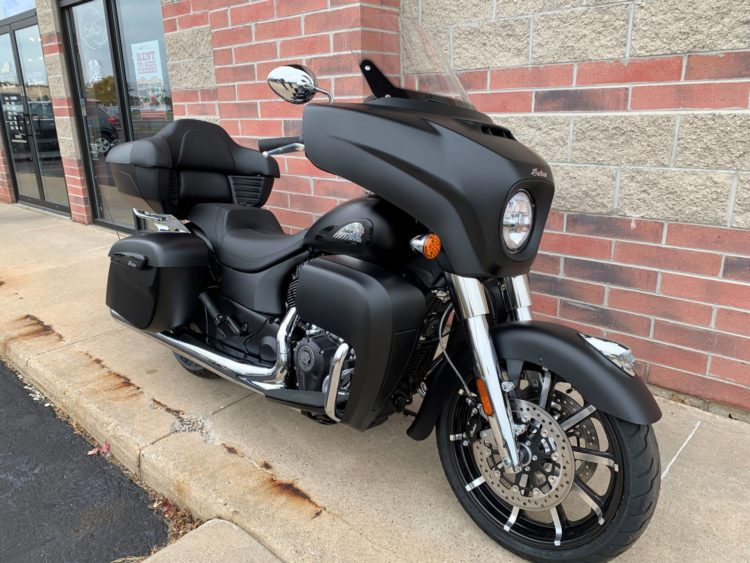 2020 Indian Roadmaster Dark Horse 1