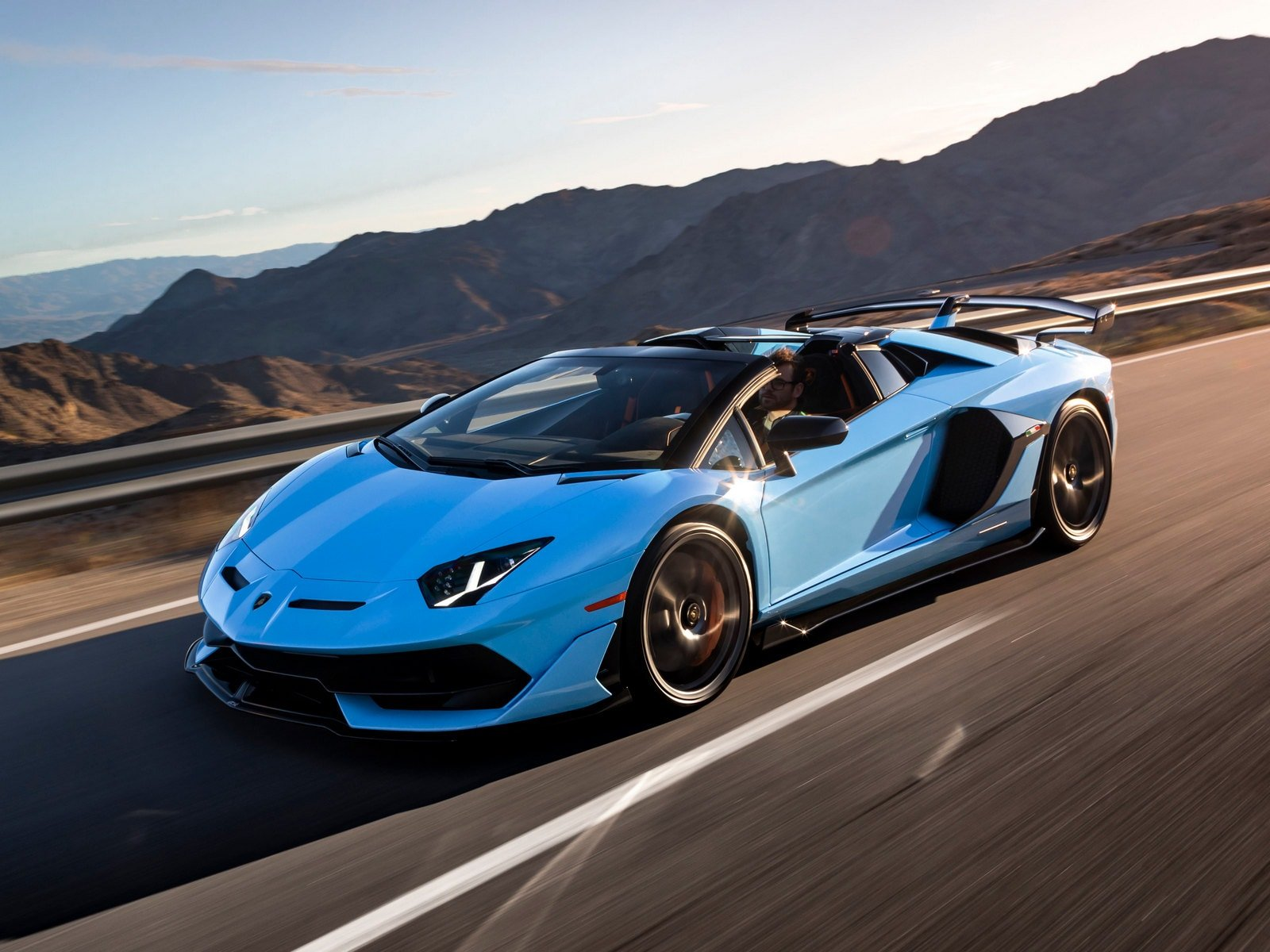 Lamborghini Aventador Vs Bugatti Chiron Who Wins