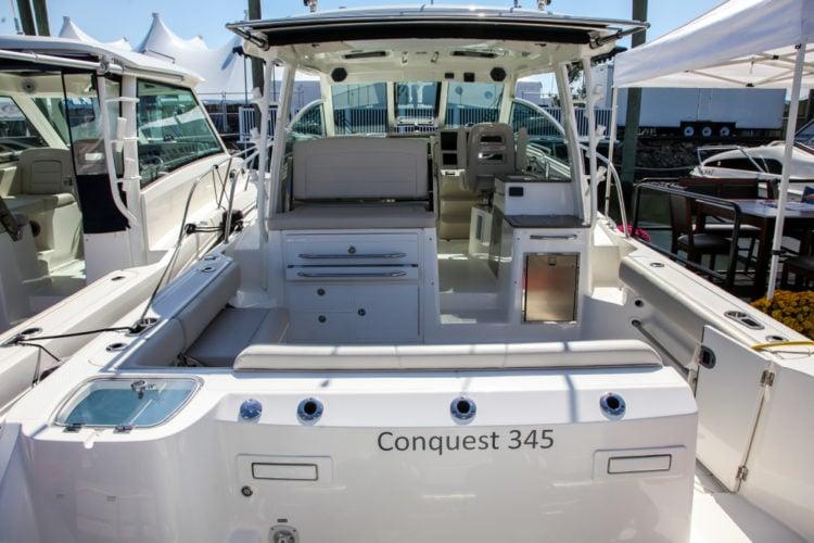 Boston Whaler Conquest