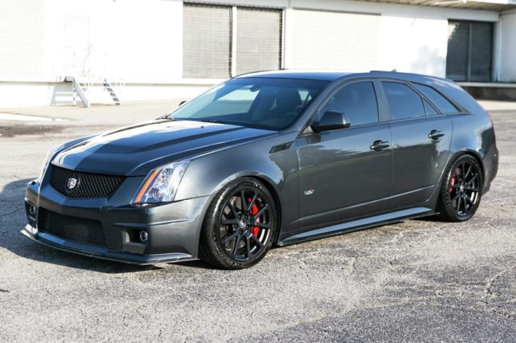 Cadillac CTS-V Wagon - 2014 Model Year